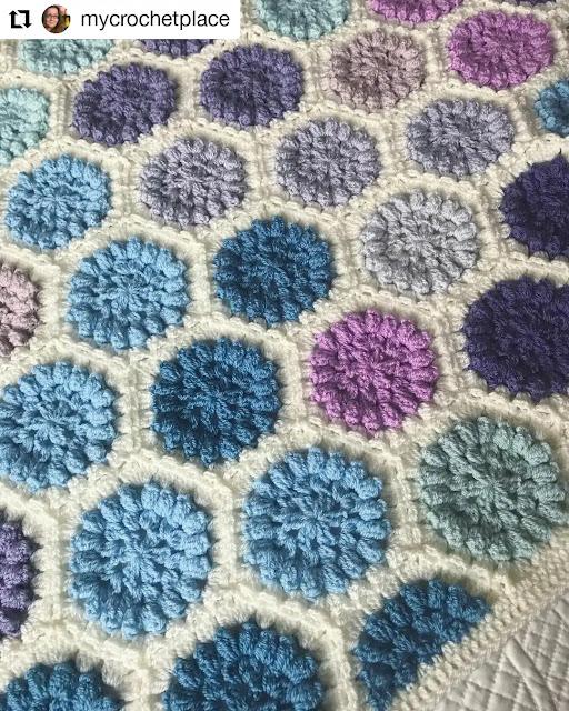 Modernos tapetes tejidos para dar color a tus espacios