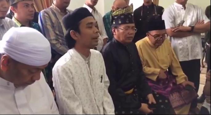 """Inilah Amalan Yang Dilakukan Ustadz Abdul Somad Saat Dikejar-kejar """"Preman Nasi Bungkus"""" di Bali"""
