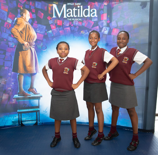 600 children from Witkoppen Primary School Watch Pre-opening Show #MatildaSA @MontecasinoZA