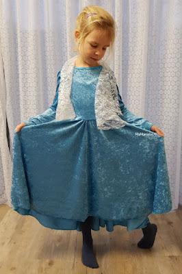 Regina Sofilantjes kerstjurk Elsa jurk