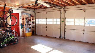 Garage door service in Spokane