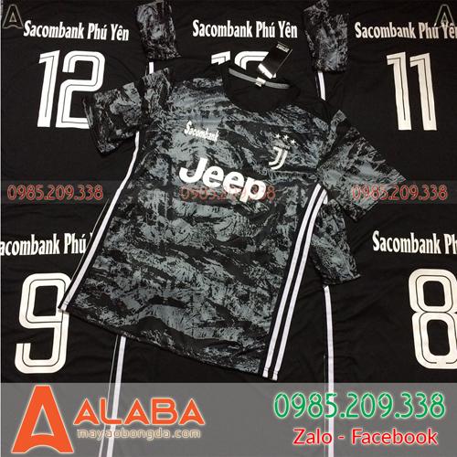 Áo CLB Juventus màu đen ấn tượng
