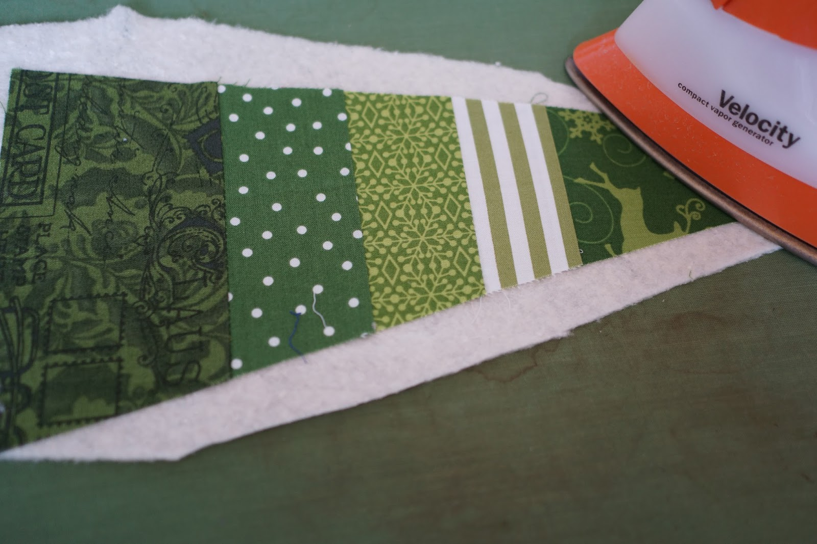 Lo Ray Amp Me Triangle Christmas Quilt