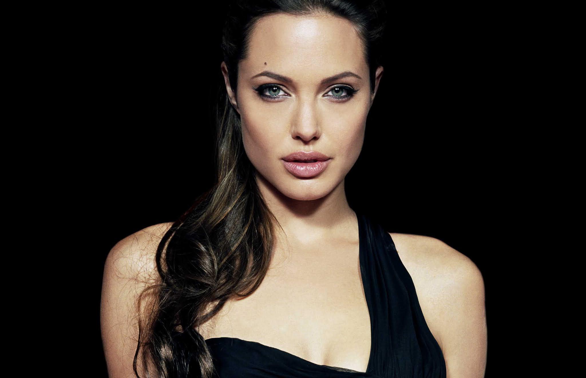 Angelina Jolie Killer Eyes