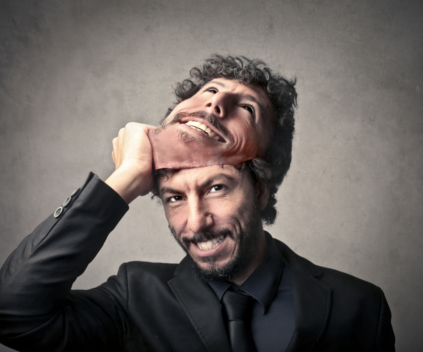 Here's How To Behave With A Narcissist