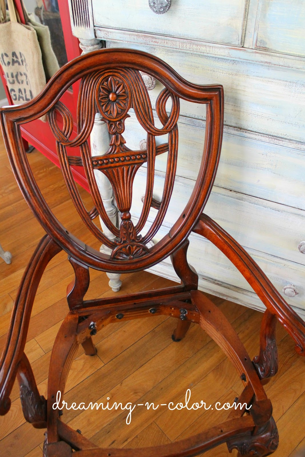 dreamingincolor: Carved Painted Chairs