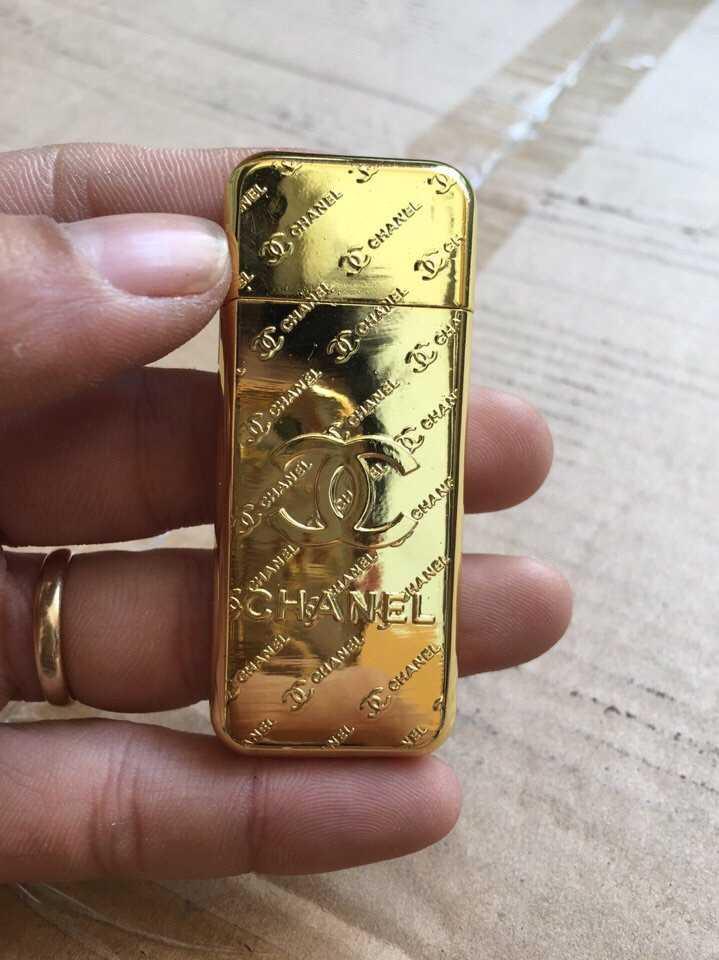 Bật lửa hộp quẹt Chanel iPhone vàng cực sang giá rẻ