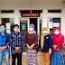 Kadinsos Garut Kunjungi Desa Karyasari Banyuresmi, Salurkan KKS BPNT Bank Mandiri
