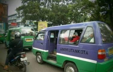 Ulah menyebalkan dalam angkutan umum