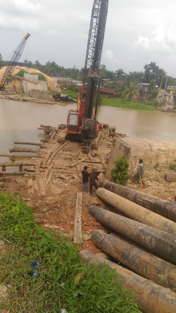 Pembangunan Jembatan Rel Kereta Api Di Besitang Diduga Melanggar Peraturan Harian9 Com
