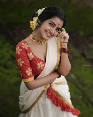 South Indian actress Anupama Parameswaran latest Onam photos in saree