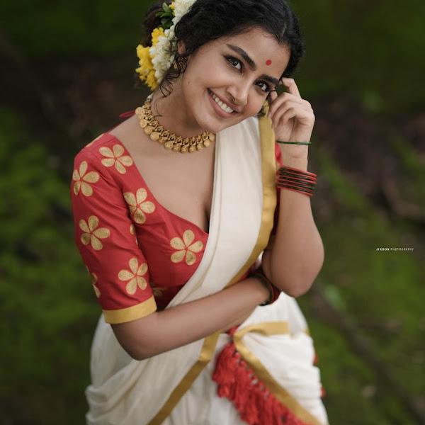 South Indian actress Anupama Parameswaran latest Onam photos