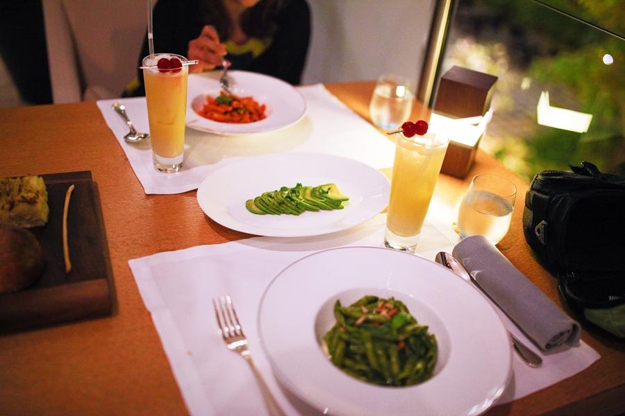 avocado glutenfree noodles dubai waldorf restaurant
