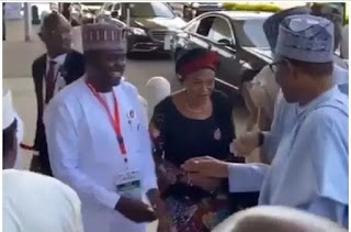 Moment Buhari publicly shuns Tinubu's wife, video triggers outrage