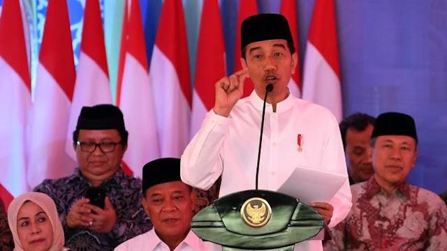 Jokowi 'Diajari' Beda Grasi dan Amnesti di Kasus Baiq Nuril