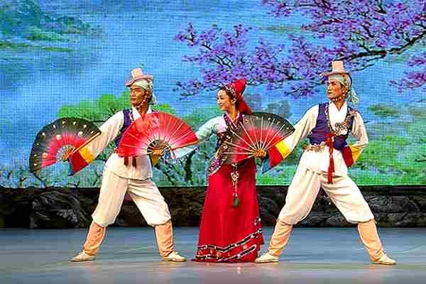 korean traditioanl male dance