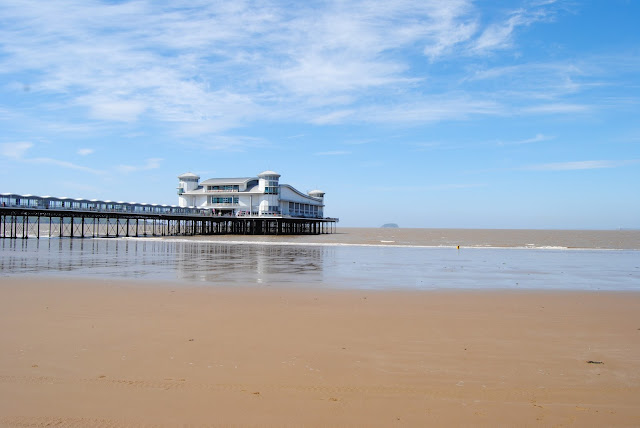 http://www.assiashahin.com/2015/05/time-out-in-weston-super-mare.html