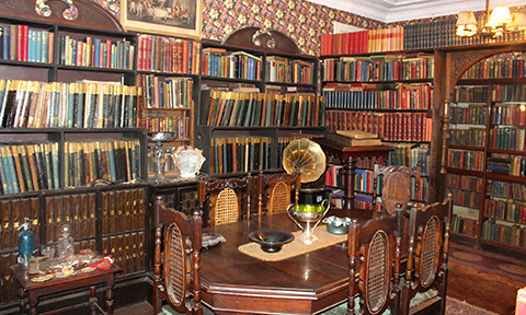 Library in Lindfield House Museum