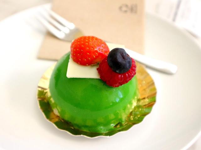 Le Petit Poucet à Amiens propose de délicieuses pâtisseries aux fruits.