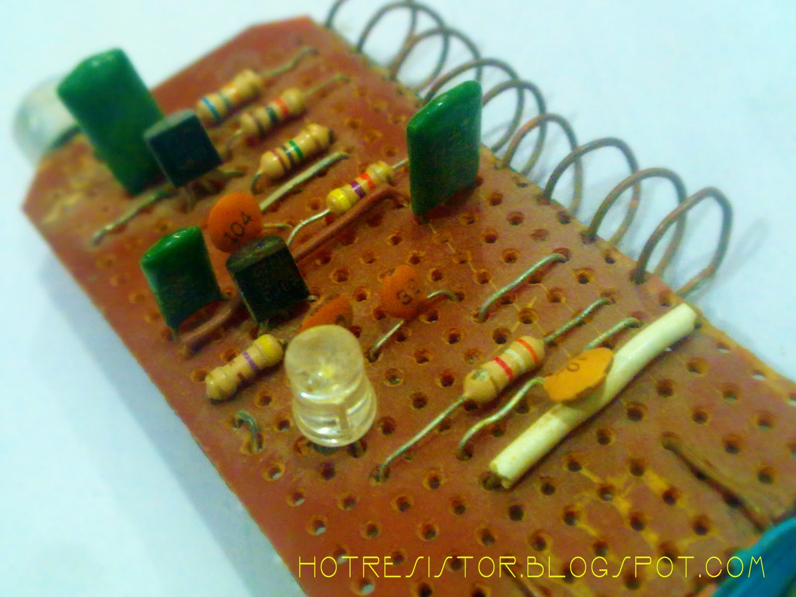 Make Simple Fm Transmitter Using Two 2n2222 Transistors And Use Of Transistor In A Circuit Handmade Inductor