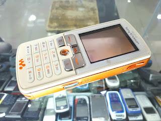 Sony Ericsson W800 Walkman Phone Batangan Normal Mulus