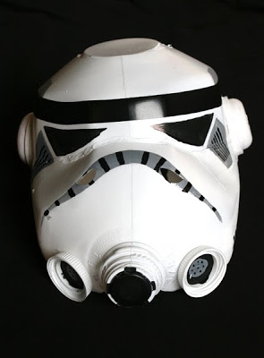 Diseño de casco con material reciclado