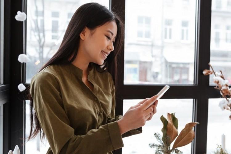 Cara Ampuh dan Mudah Nembak Cewek Lewat Chat. Dijamin Hatinya Luluh