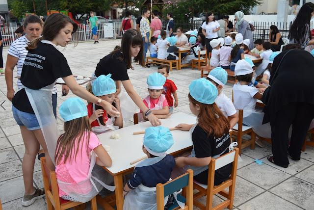 «Ψαθύρια»: Ποντιακά εδέσματα έφτιαξαν τα μικρά παιδιά στο Θρυλόριο
