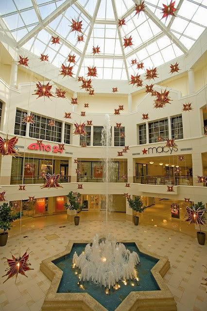 Aventura Mall Brings Holiday Magic with Nearly One Million Glistening Lights to Santa's Arrival
