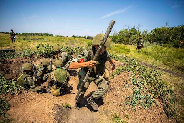 Hai sĩ quan Nga thuộc Lực lượng đặc biệt