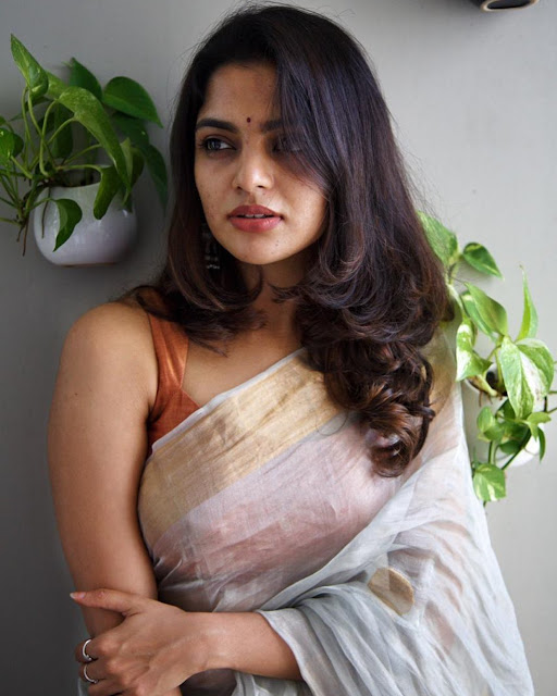 Nikhila Vimal (Indian Actress) Biography, Wiki, Age, Height, Family, Career, Awards, and Many More