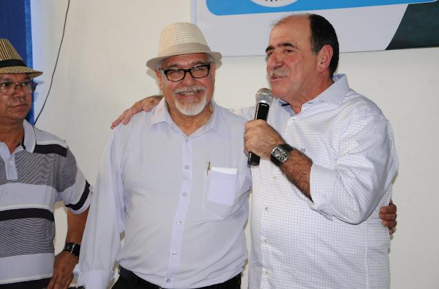"""No lançamento do livro """"Conduzimos"""", Caramez confirma apoio aos aposentados em transporte e cargas"""