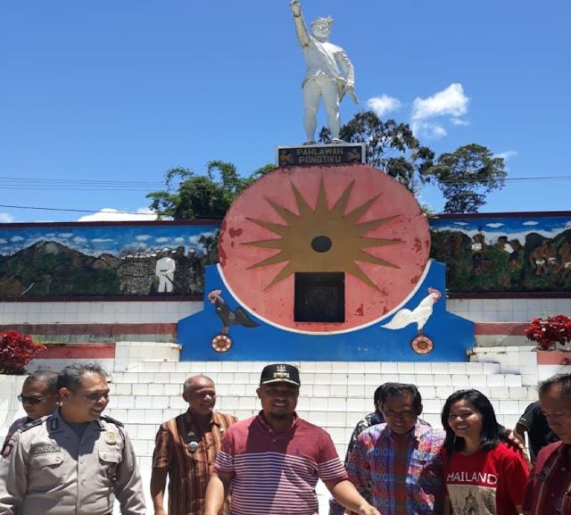 Usai Bermalam di Lolai, Wagub Sulsel Lanjut Ziarah ke Makam Pongtiku di Rindingallo