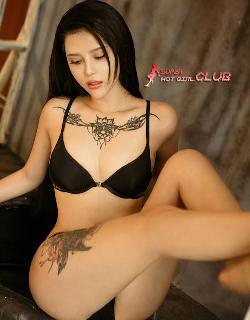 Galeri Foto Model Hot Chinese - You Na Na