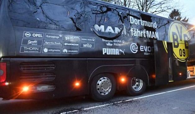 Bus Pemain Barussia Dortmund terkena bom