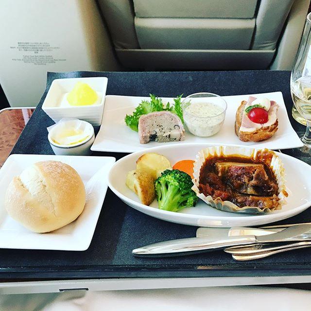 2018年4月中旬:JL322(JAL322) 福岡=東京・羽田 国内線ファーストクラスの機内食内容(夕食)