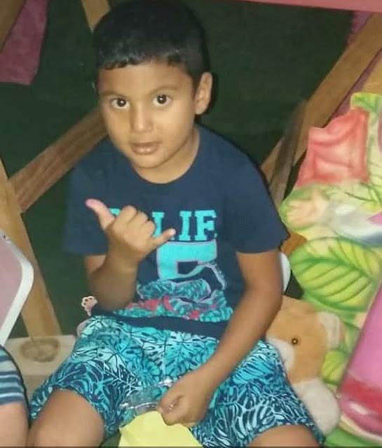 Criança de 5 anos morre ao cortar fio de ventilador com tesoura