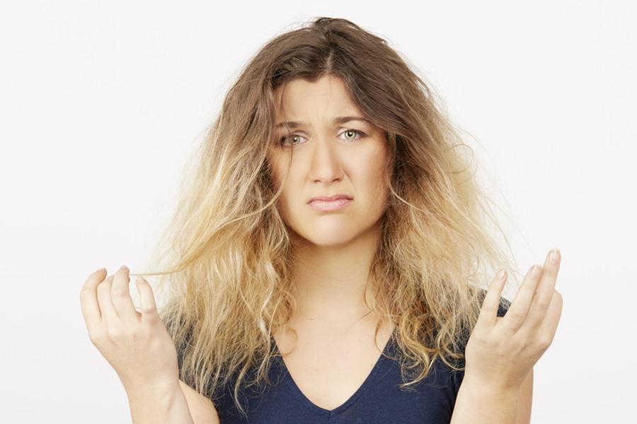 Tonos amarillos en el cabello ¿Se pueden quitar?