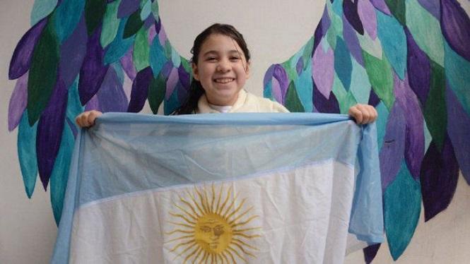 Tiene 8 años, es de Neuquén y le pidió al presidente que la deje festejar su cumpleaños prometiendo a la Bandera
