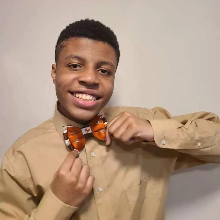14-Year-Old Has Sewn Over 1,000 Bowties To Help Dogs Dogs Find Their Forever Home