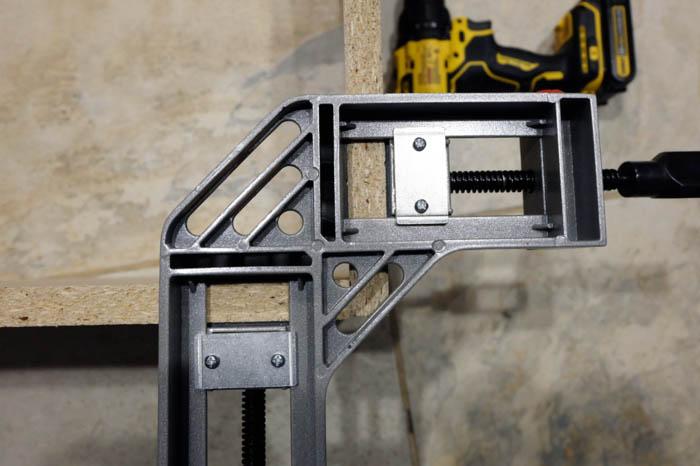 corner clamp shelf unit