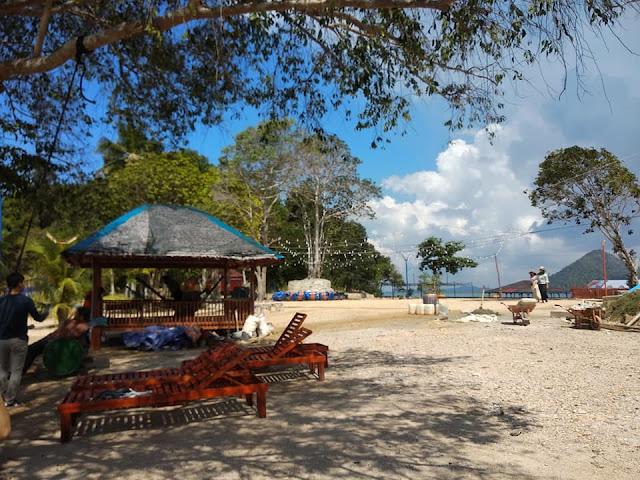Pantai Pulau Labun
