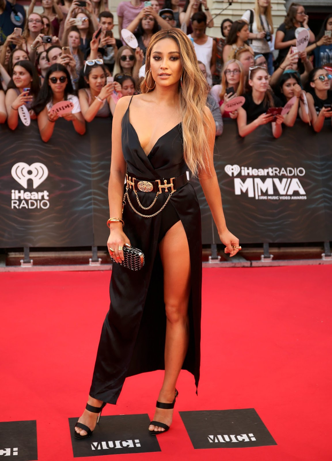 Shay Mitchell Blonde Hair Makeover iHeartRadio MuchMusic Video Awards 2016
