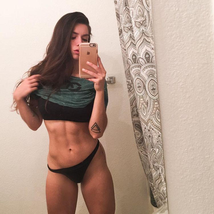 Luciana Alegre Fitness Model