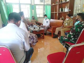 Danramil 05/Mayong Komsos Dengan Tokoh Agama Ajak Patuhi Prokes