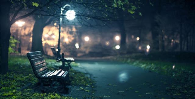 banco de praça a noite