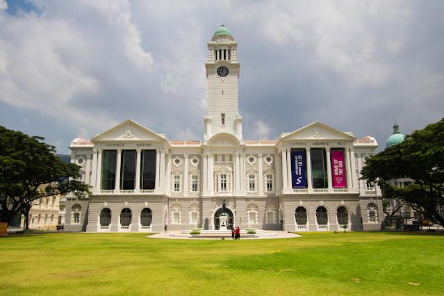 Victoria Theatre con la torre dell'orologio-Padang (Quartiere coloniale)-Singapore