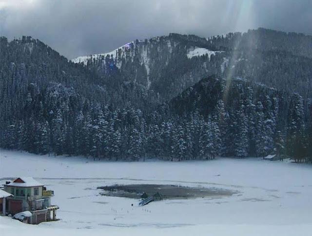 Dalhousie Attraction - Khajjiar Lake Chamba in winter