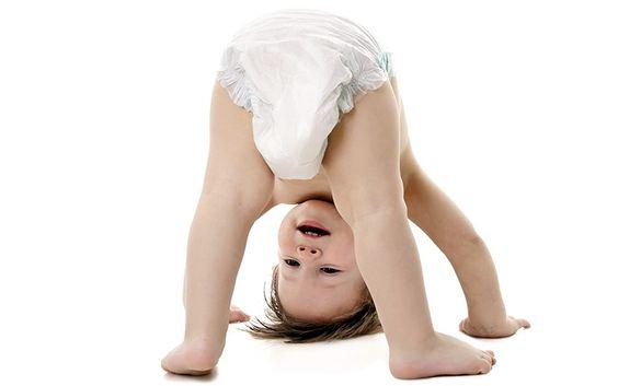 bebê, FRALDA, FRALDAS, mamães, papais, assaduras, troca de fraldas, fraldas de pano, bumbum, lenço umedecido, fraldas descartaveis, como trocar fralda de bebê, trocando fraldas, como trocar fralda, como trocar fraldas