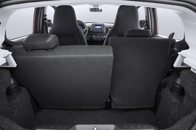 Novo Fiat Mobi 2017 - porta-malas